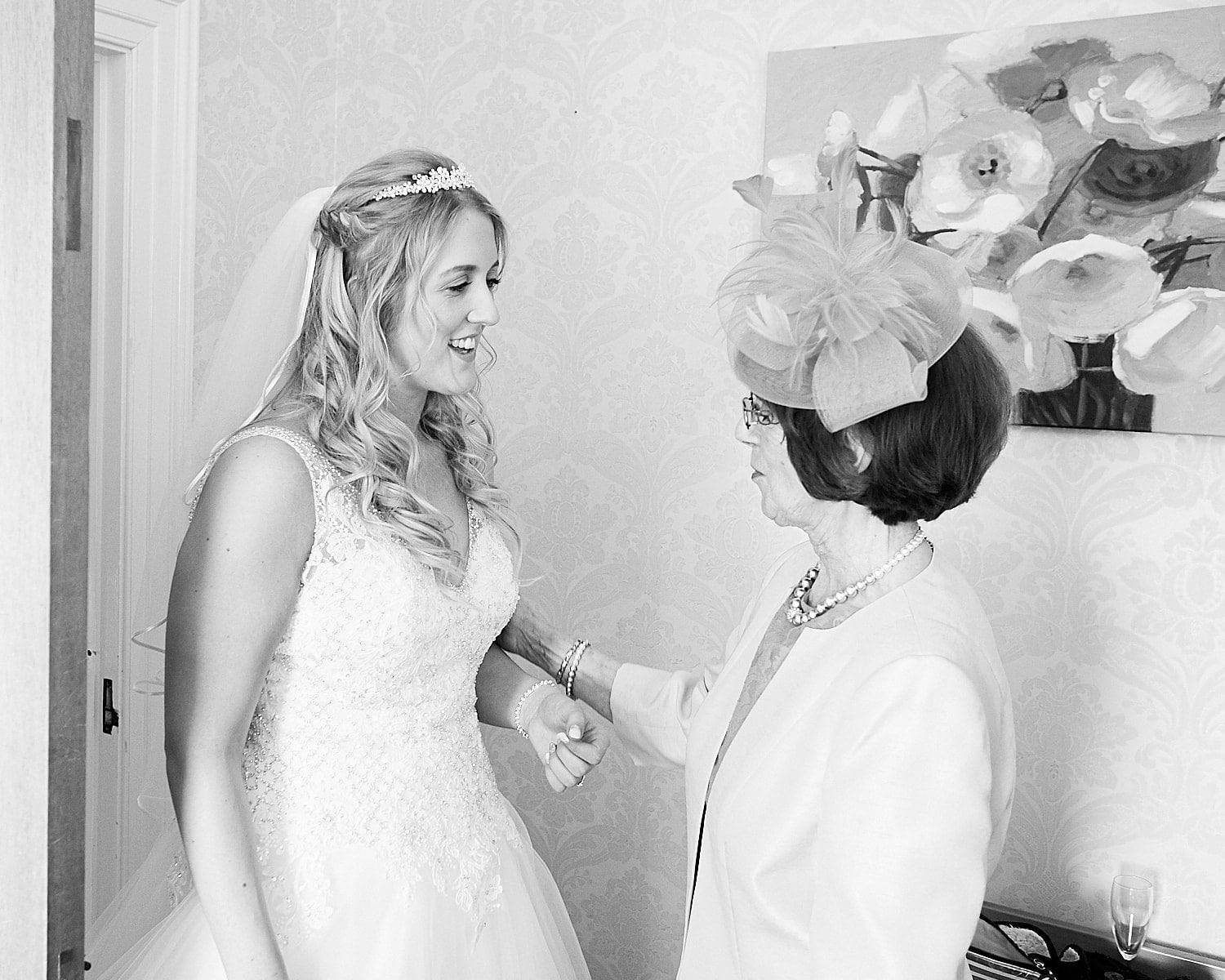 A bride and a relative speak before the wedding